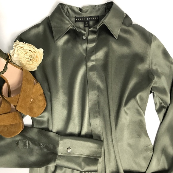 8fca467a57 Ralph Lauren Black Label Silk Charmeuse Blouse. M 5a78e456a6e3ead33a51aace
